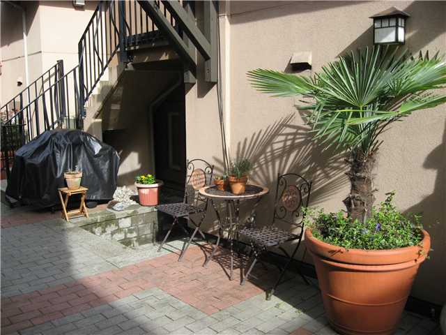 "Photo 2: 3072 W 4TH Avenue in Vancouver: Kitsilano Townhouse for sale in ""SANTA BARBARA"" (Vancouver West)  : MLS® # V823910"