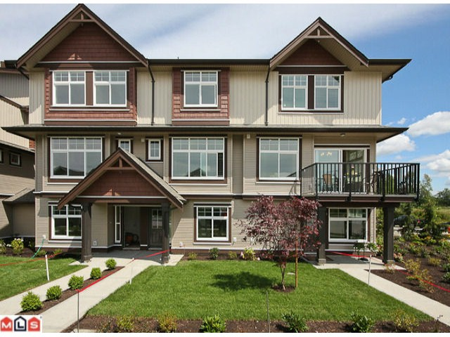 Main Photo: 2 7332 194A Street in Surrey: Clayton Townhouse for sale (Cloverdale)  : MLS® # F1019086