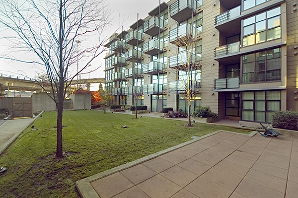 "Main Photo: 426 8988 HUDSON Street in Vancouver: Marpole Condo for sale in ""RETRO LOFTS"" (Vancouver West)  : MLS® # V742255"