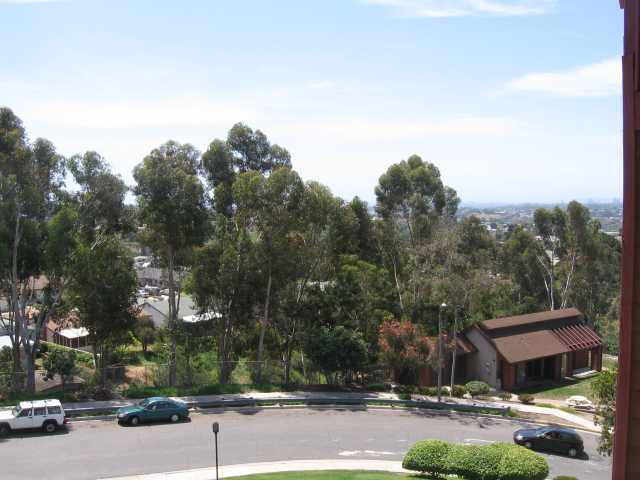 Photo 6: SAN DIEGO Condo for sale : 2 bedrooms : 3955 Faircross #80