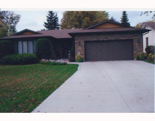 Main Photo: 6 HOOPER Place in WINNIPEG: North Kildonan Residential for sale (North East Winnipeg)  : MLS(r) # 2903196