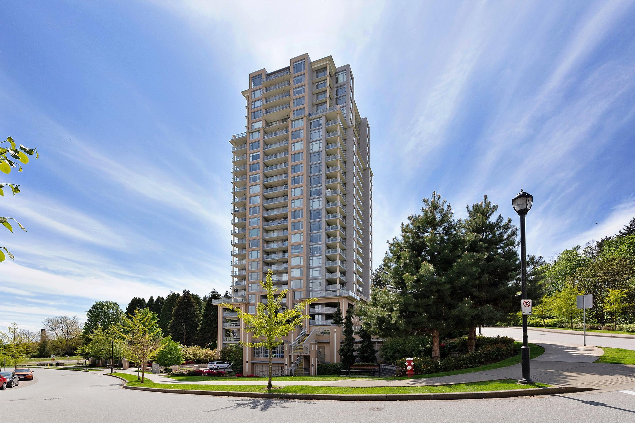FEATURED LISTING: 2303 - 280 ROSS Drive New Westminster
