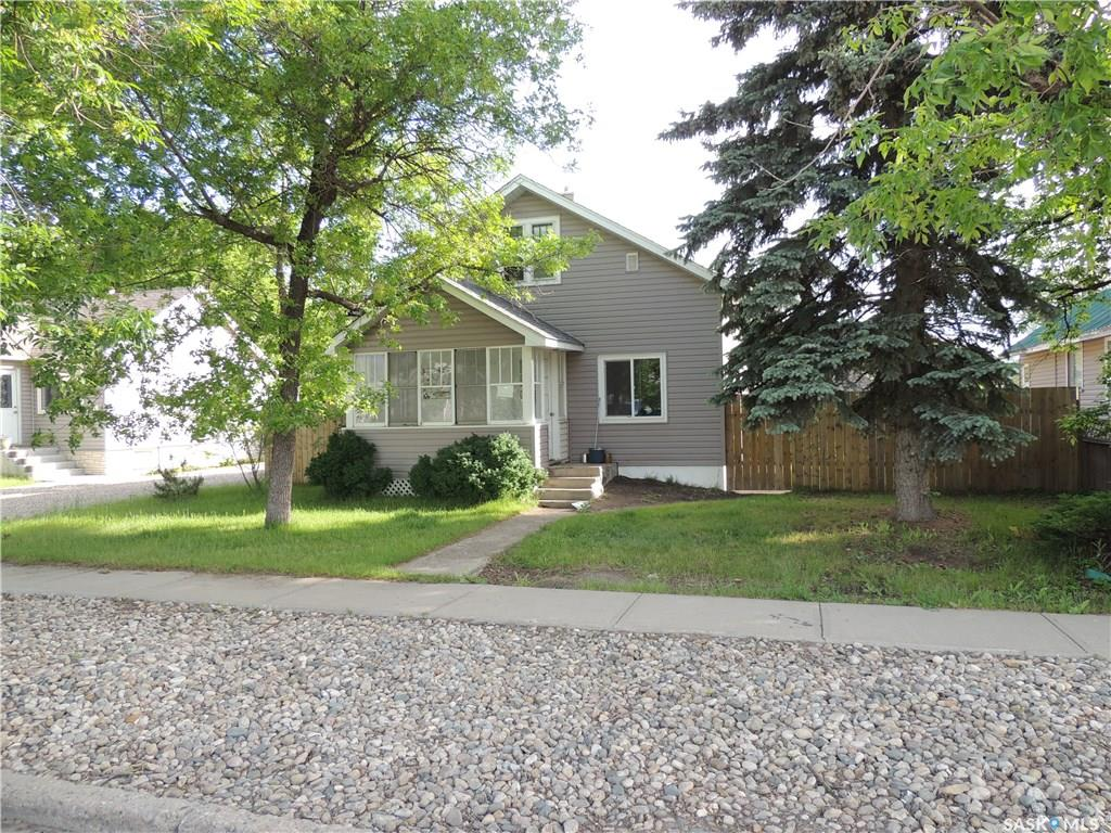 FEATURED LISTING: 1421 4th Street Estevan