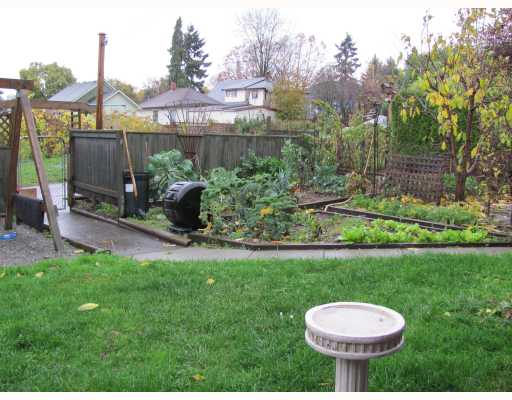 Photo 3: 316 SIMPSON Street in New Westminster: Sapperton House for sale : MLS(r) # V797958