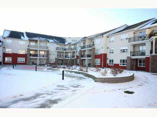 Main Photo: 335 26 VAL GARDENA View SW in CALGARY: Springbank Hill Condo for sale (Calgary)  : MLS® # C3403724