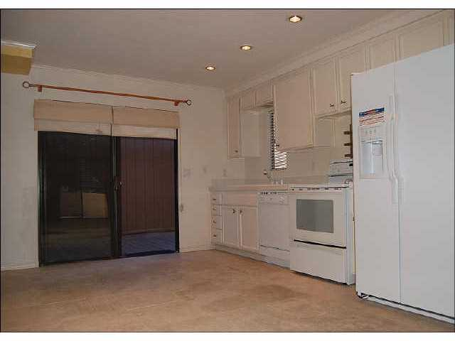 Photo 6: CLAIREMONT Residential for sale : 1 bedrooms : 2740 Ariane Dr #160 in San Diego