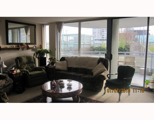 "Photo 2: 604 719 PRINCESS Street in New Westminster: Uptown NW Condo for sale in ""STERLING PLACE"" : MLS(r) # V803111"