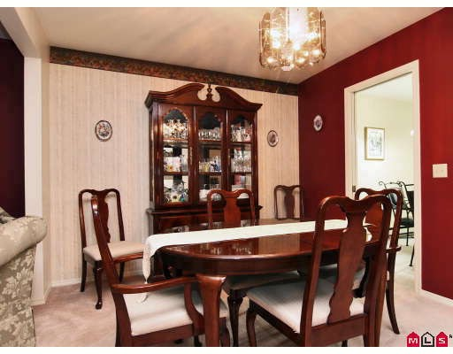 "Photo 2: 105 1450 MCCALLUM Road in Abbotsford: Poplar Townhouse for sale in ""CROWN POINT"" : MLS® # F2833694"