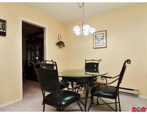 "Photo 5: 105 1450 MCCALLUM Road in Abbotsford: Poplar Townhouse for sale in ""CROWN POINT"" : MLS® # F2833694"
