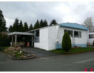 "Main Photo: 15 1884 MCCALLUM Road in Abbotsford: Central Abbotsford Manufactured Home for sale in ""GARDEN VILLAGE"" : MLS® # F2917673"