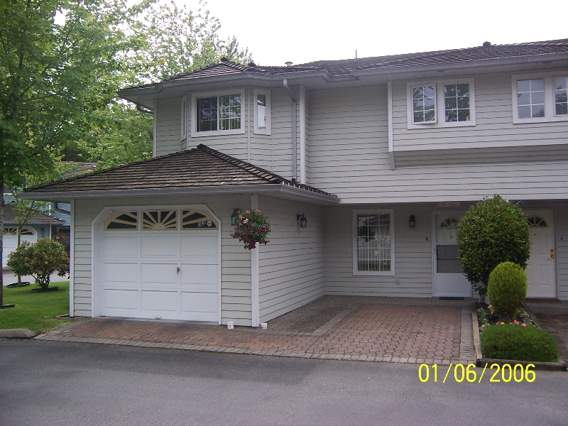 "Main Photo: 116 16335 14TH AV in White Rock: King George Corridor Townhouse for sale in ""PEBBLE CREEK"" (South Surrey White Rock)  : MLS® # F2612208"