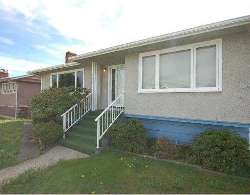 Main Photo: 3724 SUNSET Street in Burnaby: Burnaby Hospital House for sale (Burnaby South)  : MLS® # V787941