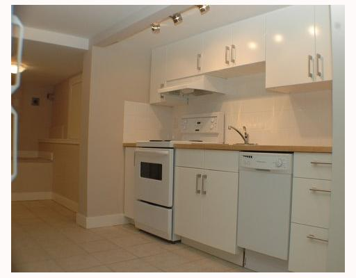 Photo 9: 1150 LILY Street in Vancouver: Grandview VE House for sale (Vancouver East)  : MLS(r) # V802071