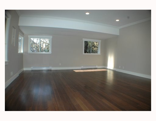 Photo 3: 1150 LILY Street in Vancouver: Grandview VE House for sale (Vancouver East)  : MLS(r) # V802071