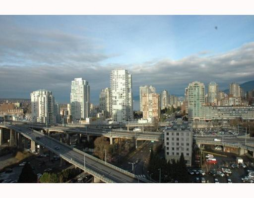 "Photo 2: 1807 501 PACIFIC Street in Vancouver: Downtown VW Condo for sale in ""THE 501"" (Vancouver West)  : MLS® # V807424"