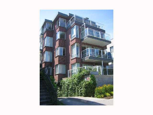 "Main Photo: 203 2368 CORNWALL Street in Vancouver: Kitsilano Condo for sale in ""BEACHVIEW TERRACE"" (Vancouver West)  : MLS(r) # V813927"