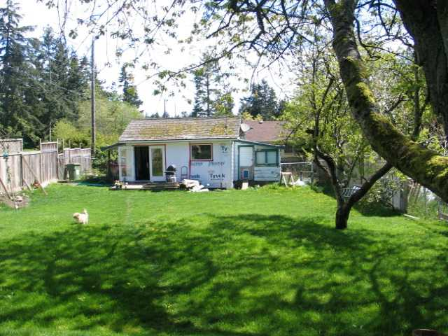 Main Photo: 1069 CHASTER Road in Gibsons: Gibsons & Area House for sale (Sunshine Coast)  : MLS® # V826289
