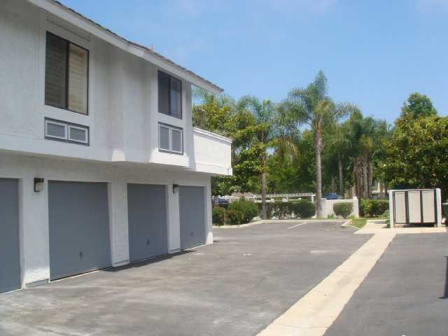 Photo 7: CARLSBAD SOUTH Condo for sale : 2 bedrooms : 6904 Carnation in Carlsbad