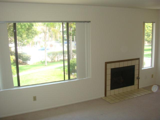 Photo 2: CARLSBAD SOUTH Condo for sale : 2 bedrooms : 6904 Carnation in Carlsbad