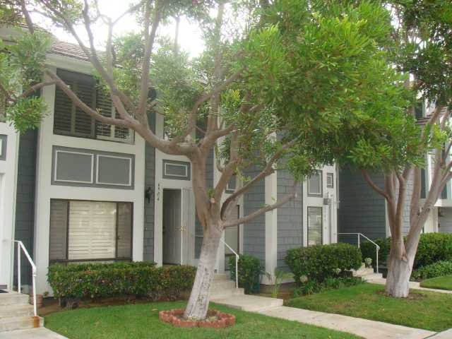 Main Photo: CARLSBAD SOUTH Condo for sale : 2 bedrooms : 6904 Carnation in Carlsbad