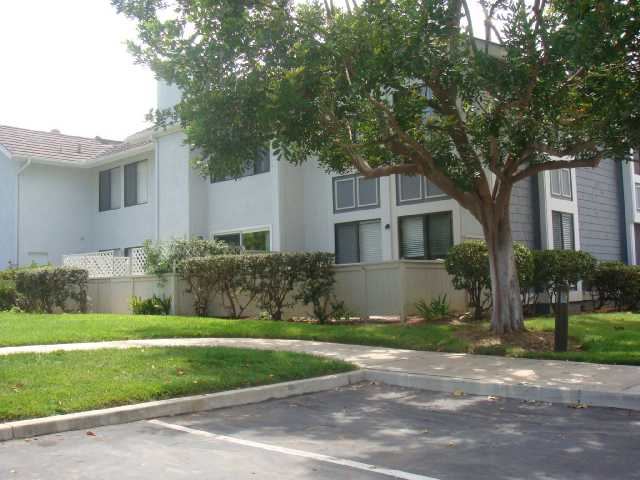 Photo 12: CARLSBAD SOUTH Condo for sale : 2 bedrooms : 6904 Carnation in Carlsbad