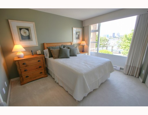 "Photo 6: 1063 MARINASIDE Crescent in Vancouver: False Creek North Townhouse for sale in ""QUAYWEST"" (Vancouver West)  : MLS® # V775209"