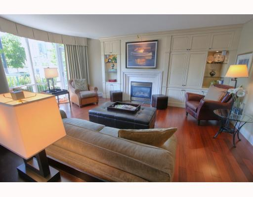 "Photo 1: 1063 MARINASIDE Crescent in Vancouver: False Creek North Townhouse for sale in ""QUAYWEST"" (Vancouver West)  : MLS® # V775209"