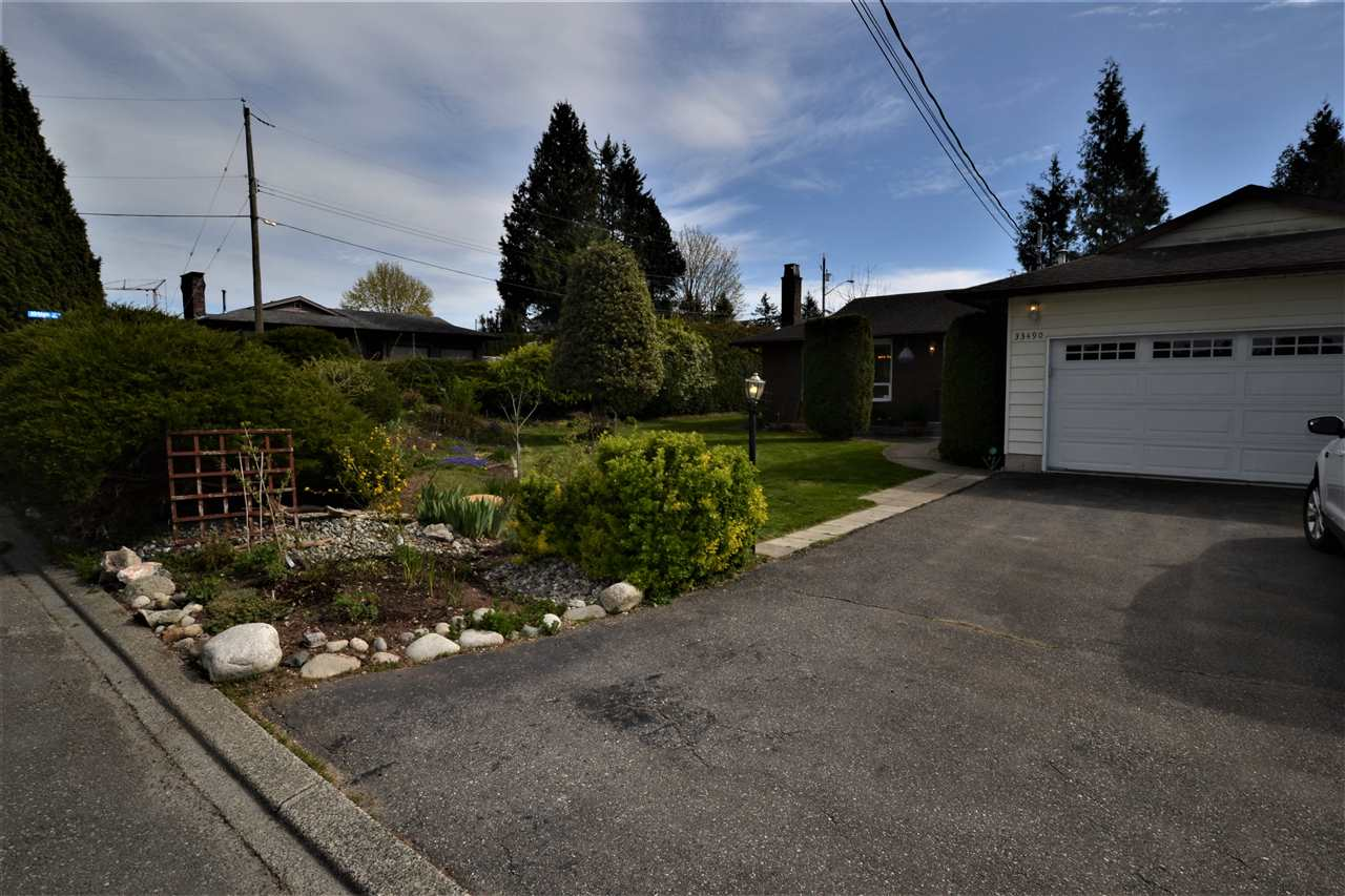 FEATURED LISTING: 33490 KIRK Avenue Abbotsford