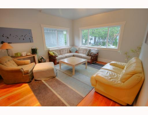 Photo 2: 1954 CHARLES Street in Vancouver: Grandview VE House for sale (Vancouver East)  : MLS(r) # V775850