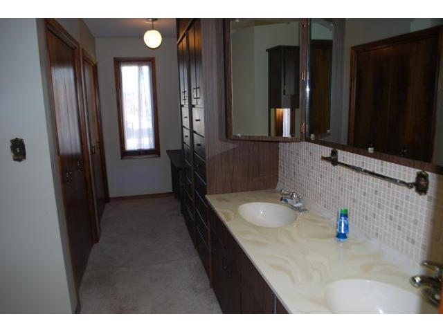 Photo 12: 240 3rd Street in SOMERSET: Manitoba Other Residential for sale : MLS(r) # 1019774