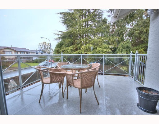 "Photo 4: 4831 FORTUNE Avenue in Richmond: Steveston North House for sale in ""STEVESTON NORTH"" : MLS® # V774460"