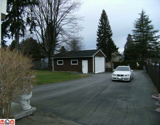 Photo 2: 13189 64TH Avenue in Surrey: West Newton House for sale : MLS® # F1002248