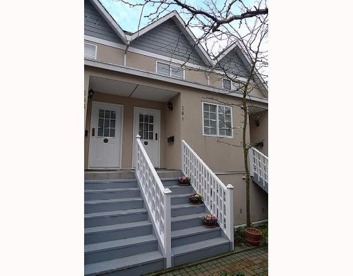 Main Photo: 161 E 4TH Street in North Vancouver: Lower Lonsdale Townhouse for sale : MLS®# V807223