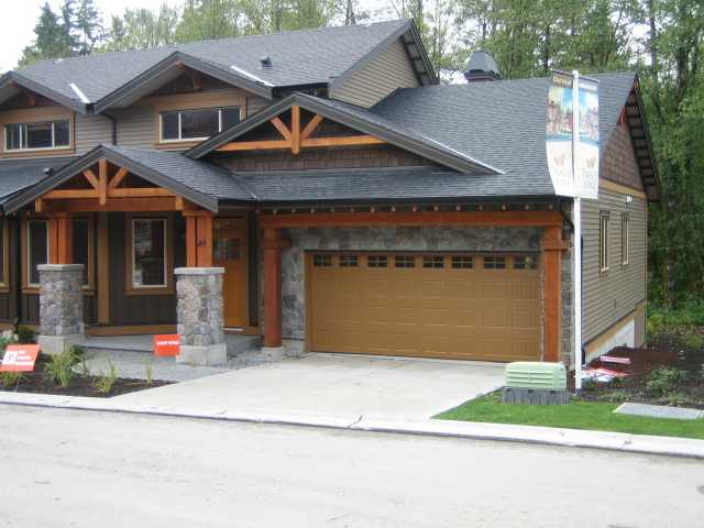 "Main Photo: 74 24185 106B Avenue in Maple Ridge: Albion House 1/2 Duplex for sale in ""TRAILS EDGE"" : MLS®# V813969"