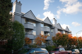 "Main Photo: 105 925 W 10TH Avenue in Vancouver: Fairview VW Condo for sale in ""LAUREL PLACE"" (Vancouver West)  : MLS® # V857038"