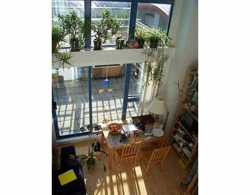 "Main Photo: 401 1238 SEYMOUR ST in Vancouver: Downtown VW Condo for sale in ""SPACE"" (Vancouver West)  : MLS®# V582943"