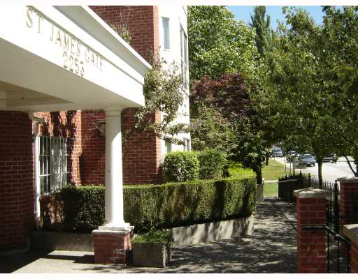 "Photo 1: 104 2253 WELCHER Avenue in Port Coquitlam: Central Pt Coquitlam Condo for sale in ""ST. JAMES GATE"" : MLS® # V785959"