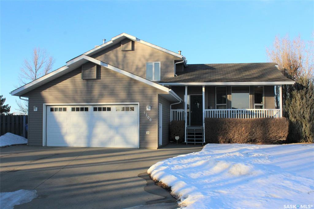 FEATURED LISTING: 1308 Barabash Bay Estevan