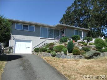 Main Photo: 3356 Wordsworth Street in VICTORIA: SE Cedar Hill Single Family Detached for sale (Saanich East)  : MLS® # 281512