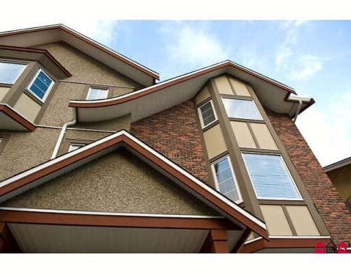 "Main Photo: 8 35626 MCKEE Road in Abbotsford: Abbotsford East Townhouse for sale in ""LEDGEVIEW VILLAS"" : MLS® # F2902057"
