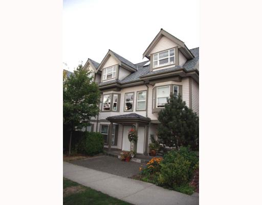 Main Photo: 2210 ST GEORGE Street in Vancouver: Mount Pleasant VE Townhouse for sale (Vancouver East)  : MLS(r) # V783723