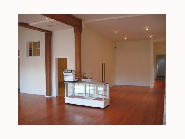Photo 3: 518 E BROADWAY in : Mount Pleasant VE Commercial for sale (Vancouver East)  : MLS® # V4021833