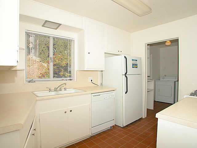 Photo 6: LINDA VISTA Residential for sale : 3 bedrooms : 7270 Acari St. in San Diego