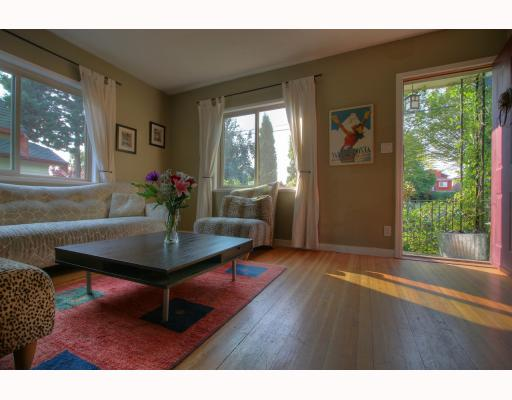 Photo 3: 4916 CHATHAM Street in Vancouver: Collingwood VE House for sale (Vancouver East)  : MLS(r) # V784942