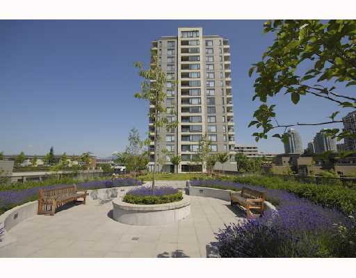 "Main Photo: 607 4182 DAWSON Street in Burnaby: Brentwood Park Condo for sale in ""TANDEM 3."" (Burnaby North)  : MLS® # V721592"