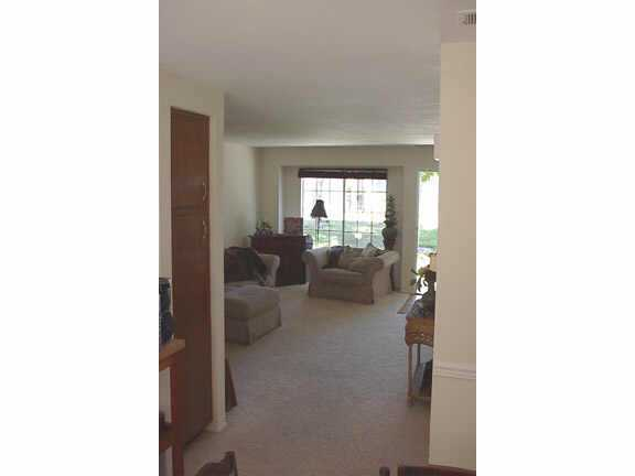 Photo 4: CARMEL VALLEY Residential for sale : 2 bedrooms : 3534 CAMINITO CARMEL LNDG in SAN DIEGO