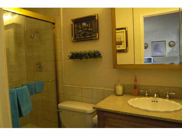 Photo 7: SPRING VALLEY Residential for sale : 3 bedrooms : 8351 Aqua View Ct