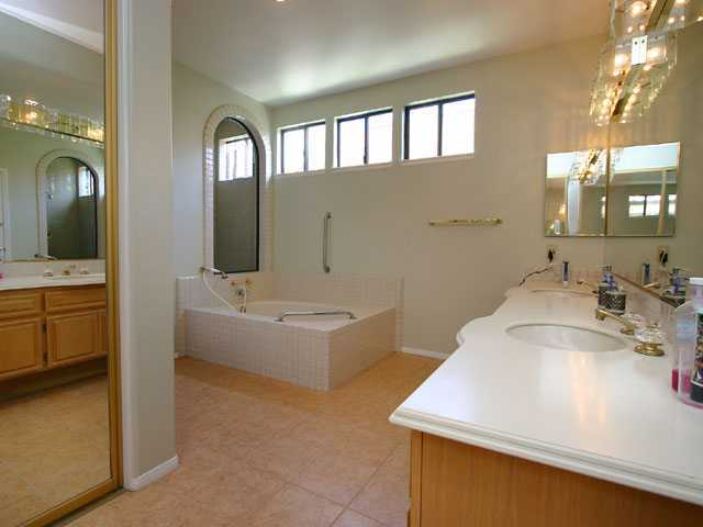 Photo 8: RANCHO BERNARDO House for sale : 3 bedrooms : 17568 Bocage Pt in San Diego