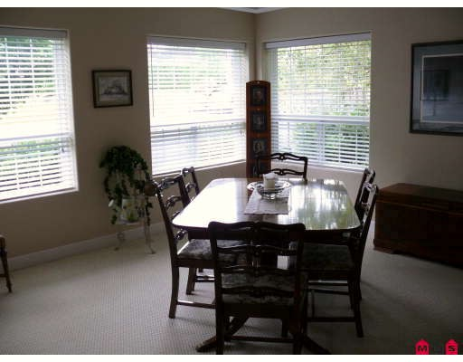 Photo 4: 18752 56A Avenue in Surrey: Cloverdale BC House for sale (Cloverdale)  : MLS(r) # F2914369