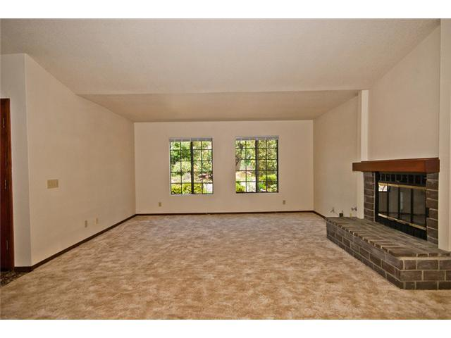 Photo 2: NORTH ESCONDIDO House for sale : 4 bedrooms : 1455 Rimrock in Escondido